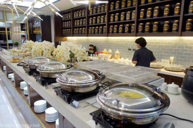 ドンムアン空港(Bangkok Don Mueang Intl) The Coral Executive Lounge buffet