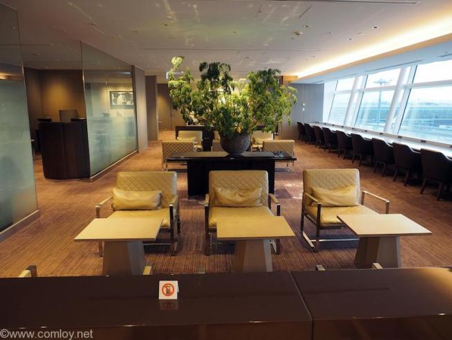 羽田空港 日本航空ファーストクラスラウンジ 室内