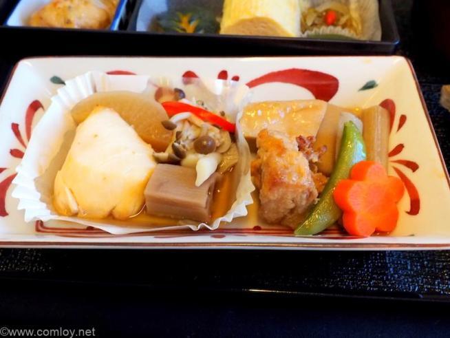 日本航空 JL804 台北(桃園)- 成田 ビジネスクラス 機内食 台の物 鱸の味噌焼き、鶏の治部煮
