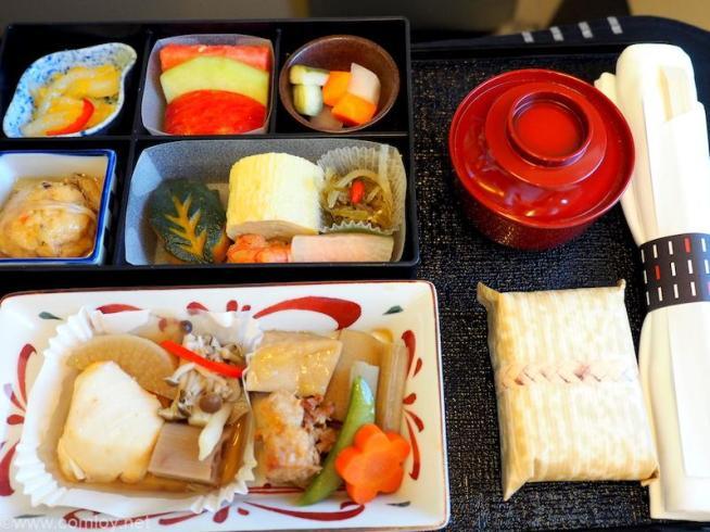 日本航空 JL804 台北(桃園)- 成田 ビジネスクラス 機内食 昼食