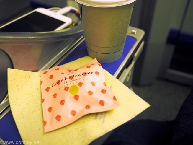 全日空 ANA36 伊丹 - 羽田 プレミアムクラス機内食  コーヒーとデザート