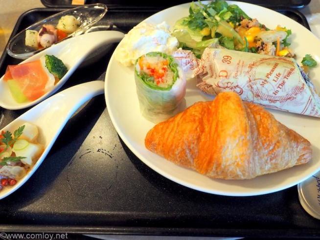成田空港 JALファーストクラスラウンジ 今日の朝食