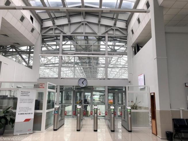 ウラジオストク空港駅改札