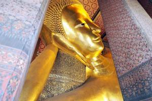 ワットポー 涅槃像