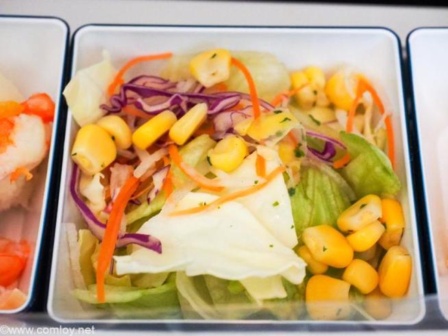 全日空 NH853 羽田 - 台北(松山)エコノミークラス機内食 サラダ ミックスリーフ イタリアンドレッシング