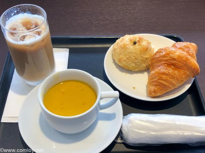 羽田空港 JALダイヤモンドプレミアラウンジ 今日のおやつ