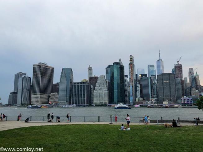 対岸から見るマンハッタン
