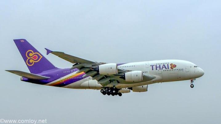 Thai A380 landing