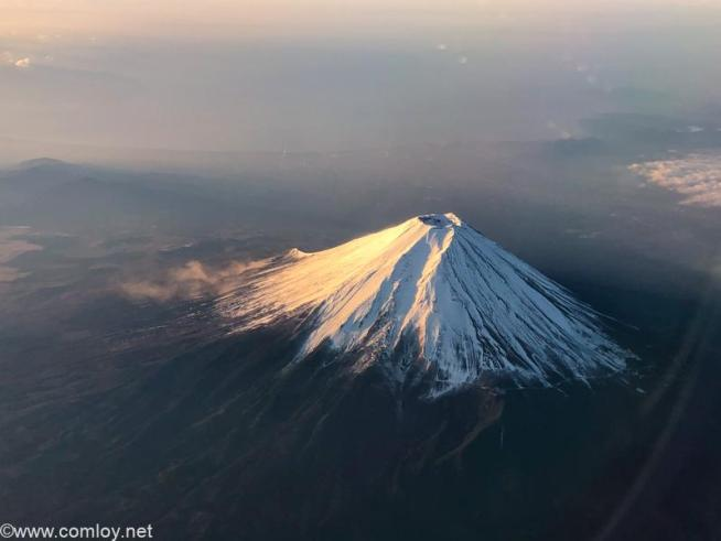 日本航空 JAL623 羽田 - 熊本 冬の富士山