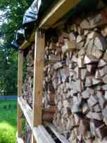 bau-eines-brennholzlagers-45