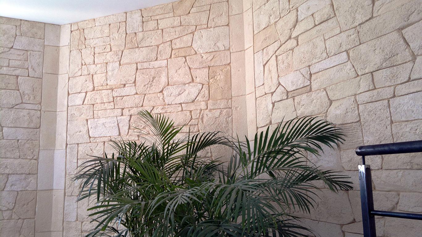 décoration intérieur avec pierre de parement sans joints