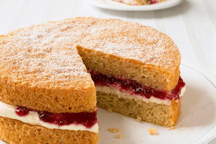 Victoria Sponge Cake 1