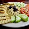 Ensalada Mediterránea con Hummus 3
