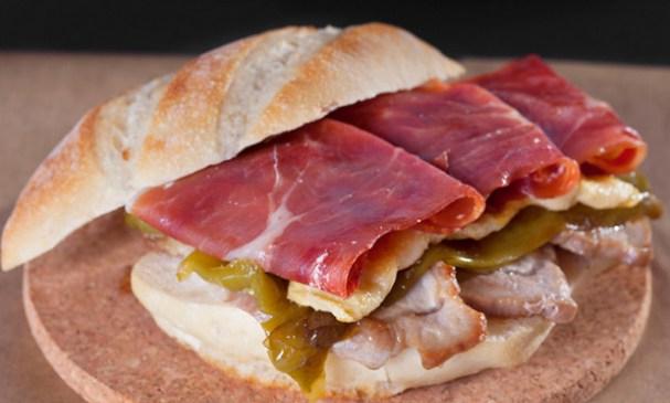 Serranito: el bocadillo andaluz 1