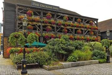 The Dickens Inn, Londres 11