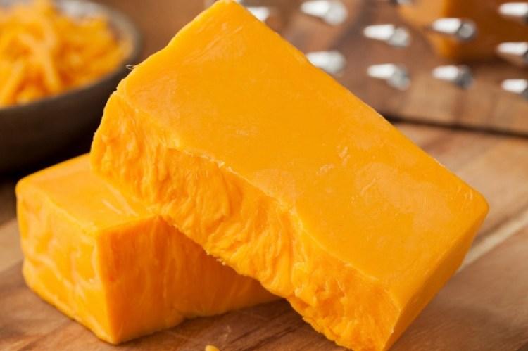 El queso cheddar ¿por qué es naranja? 1