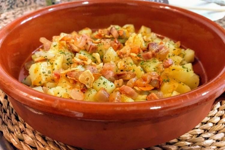 Mi receta de patatas revolconas 1