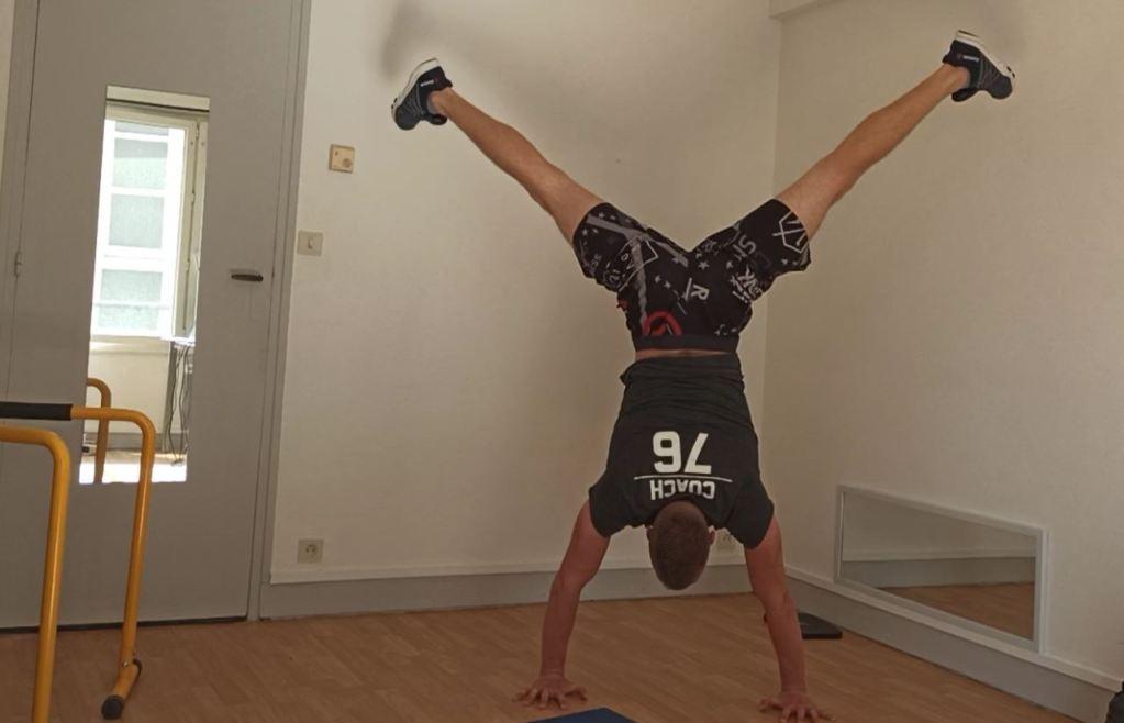 Progression handstand
