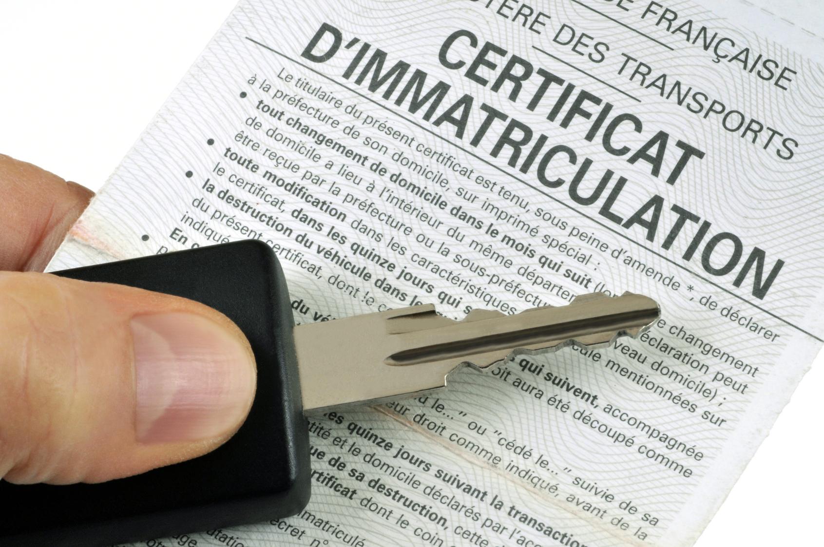 Commander un certificat d'immatriculation ou carte grise : infos et contacts