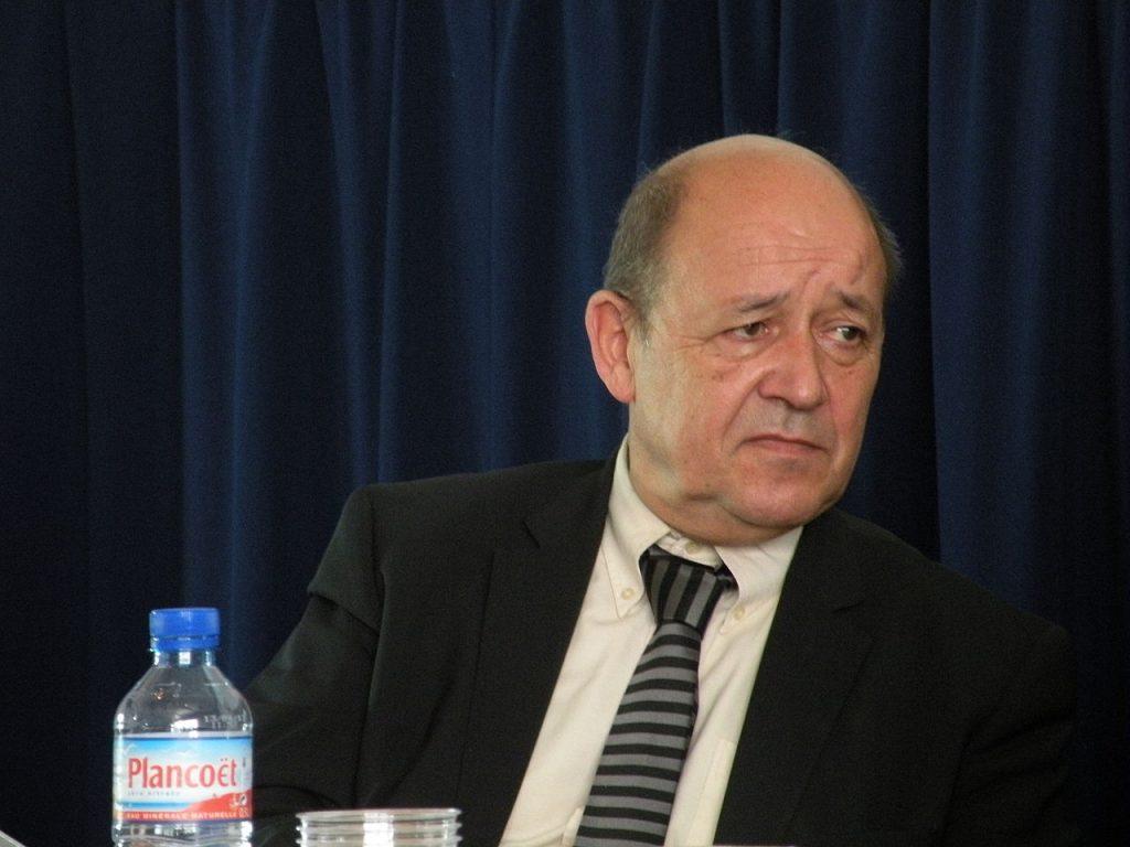 Contacter Jean-Yves Le Drian : coordonnées de son cabinet, contacts en ligne