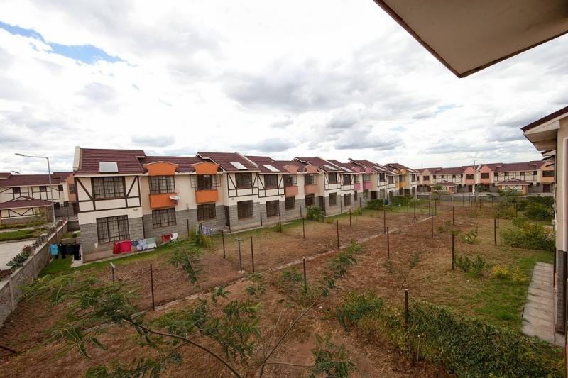 SIDAI VILLAGE backyard