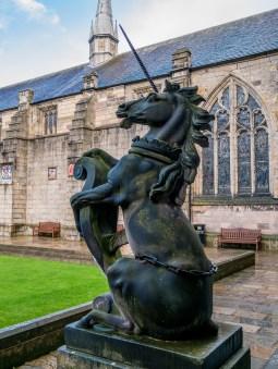 Statue dans la fac d'Aberdeen