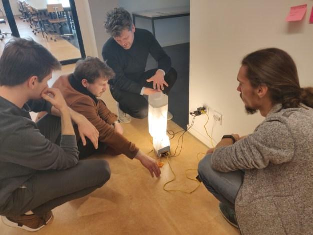 unum+solum-ms2-lamp-connected