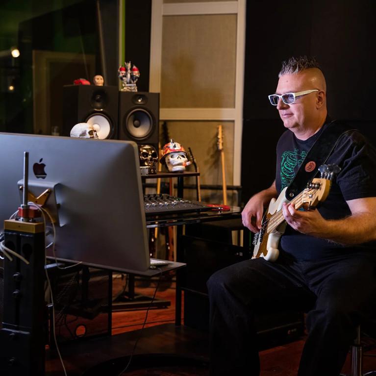 Bass Lessons with Derek Jones