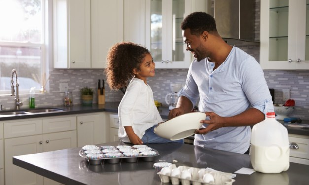 3 Smart Reasons to Reface Your Kitchen Cabinets