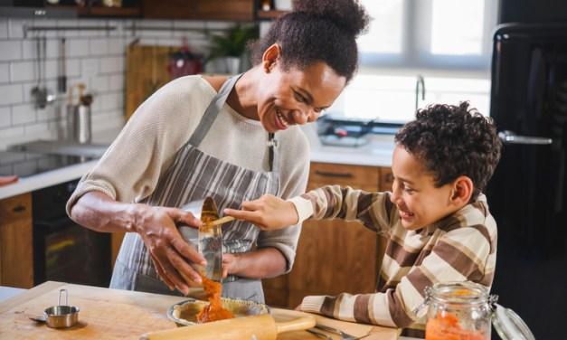 'Tis the Season to Spice Up Your Kitchen Storage