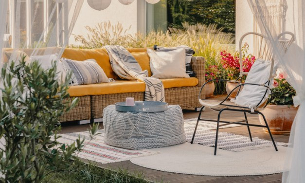 Simple Tips to Update Your Backyard This Summer