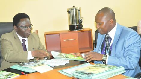 The Vice-Chancellor, Prof. Olusola Oyewole (left), discussing FUNAAB's Admission policy with the visiting  Rector, Ifo College of Management and Technology, Dr Bola Dawodu.