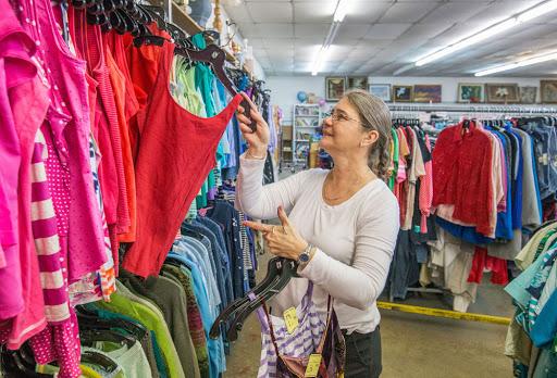 SHOPPING CLOTHES