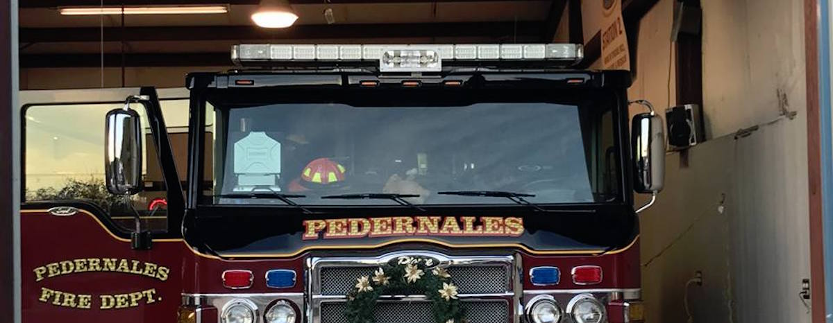 Russell Munsch, one of three western Travis County residents who died in a plane crash Tuesday, was president of the Pedernales Fire Department Board of Commissioners.