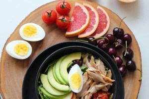 salad chopping board