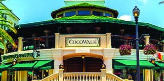 CocoWalk announces leases with five stores, Chase Bank