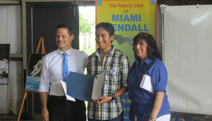 Local Rotary club presents first aviation scholarship