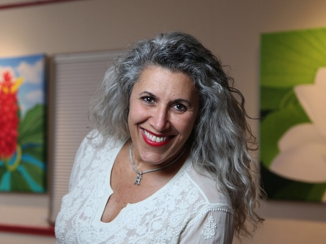 Grove artist Lisa Remeny paints nature in fine detail
