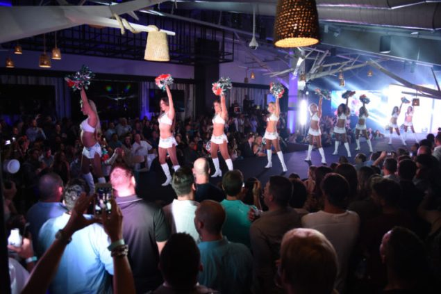 miami-dolphins-cheerleaders-fashion-show-and-calendar-unveil