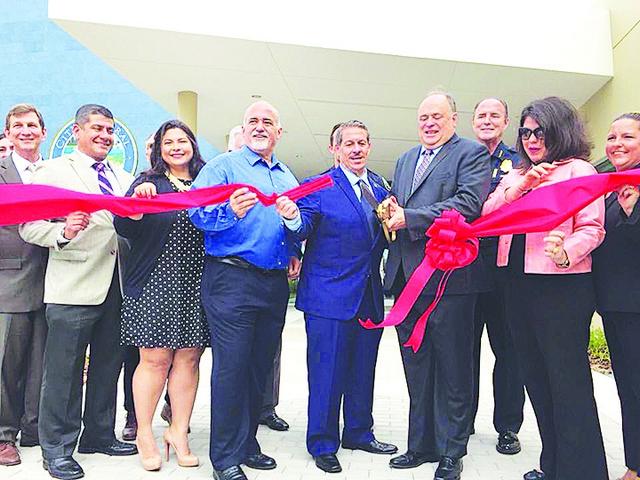 El Alcalde y el consejo inauguran nueva Subestación de Policía