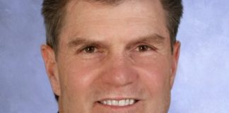 Sunstate Bank's Lloyd DeVaux named 'Banker of the Year'