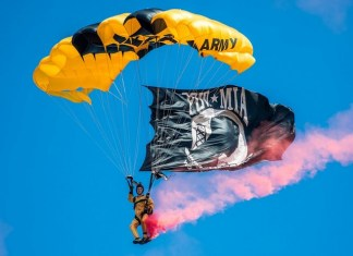Aventura Police help families of injured Golden Knight parachutists