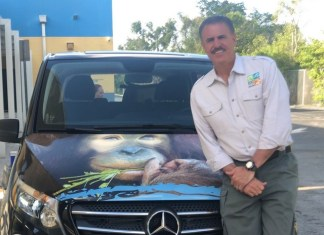 Mercedes-Benz dealerships grant Zoo Miami $30K for outreach van