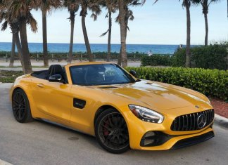Automotive writers pick best car to drive Topless in Miami