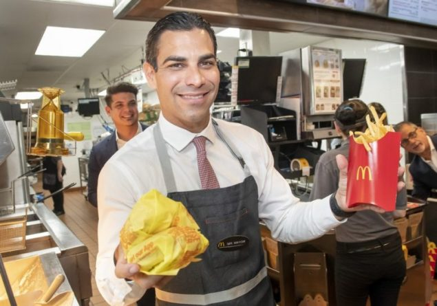 Mayor Suarez, McDonald's franchisees highlight Miami summer hiring initiative