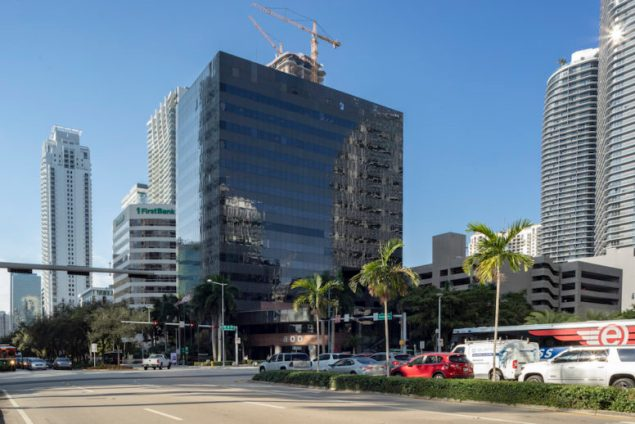 Avison Young retained by new ownership to lease 800 Brickell