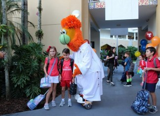 Miami Heat's 'Burnie' visits students at St. Thomas Episcopal Parish School