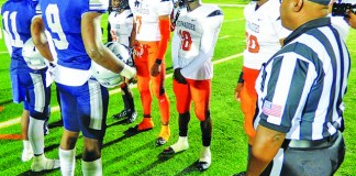 Gulliver Raiders Football Impresses in Playoff Loss