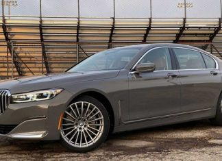 BMW 750i xDrive Sedan offers power, elite level of comfort