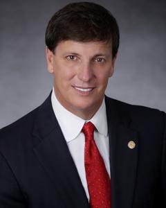 Businessman Bill Kerdyk Jr. selected Apogee Award Honoree in Real Estate